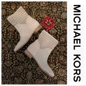 NWOB MICHAEL Michael Kors Sunny Booties